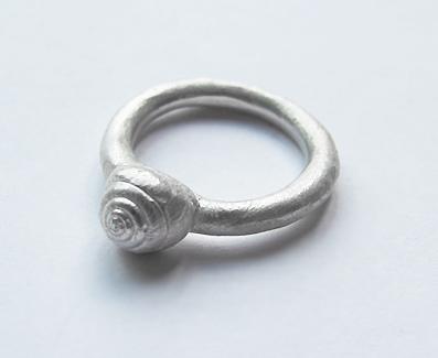 Shell ring - ziedas Sraiges kiautas